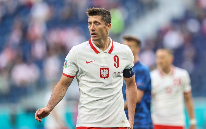 Lenkija išsaugoja galimybes patekti į kitą etapą