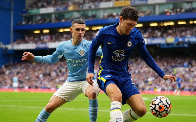 """""""Manchester City"""" svečiuose įveikė Londono """"Chelsea"""" futbolininkus"""
