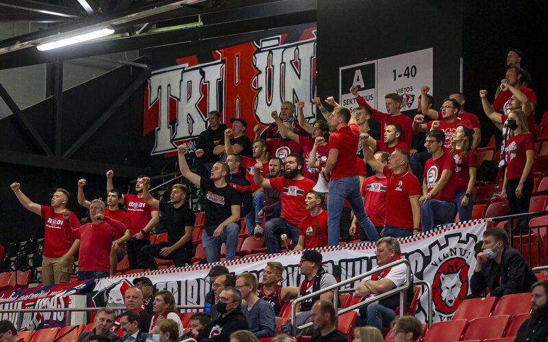 """Vilniaus """"Ryto"""" fanai"""